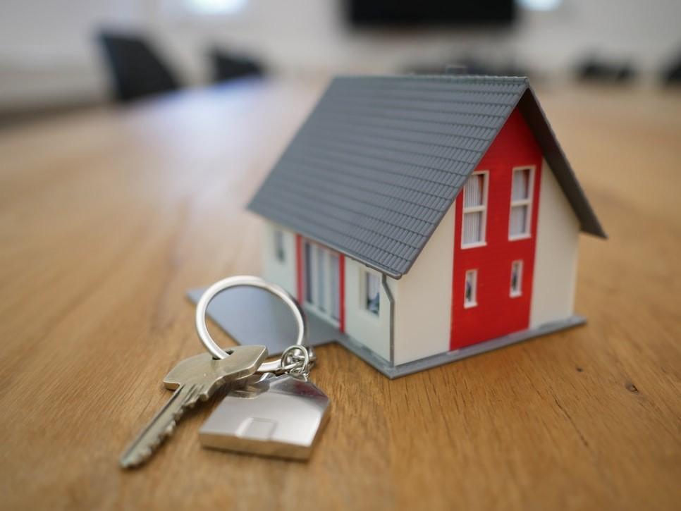 Estimation d'une maison en succession : passer par un notaire?